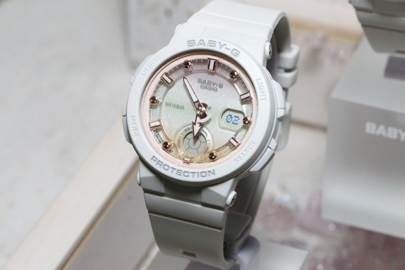 174 baby-g-bga-250-beach-traveler-series-5.jpg